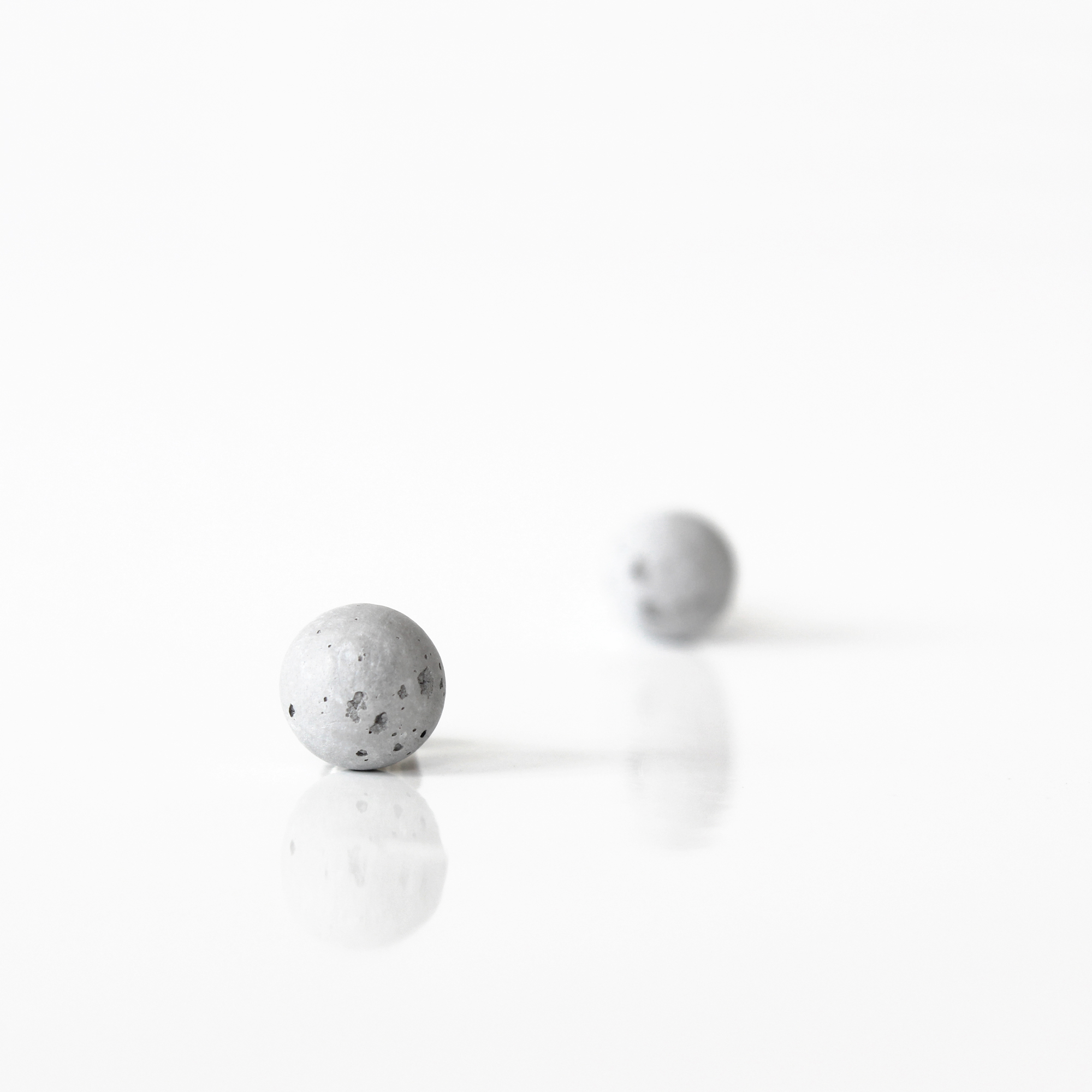 concrete earrings SFERA by ORTOGONALE